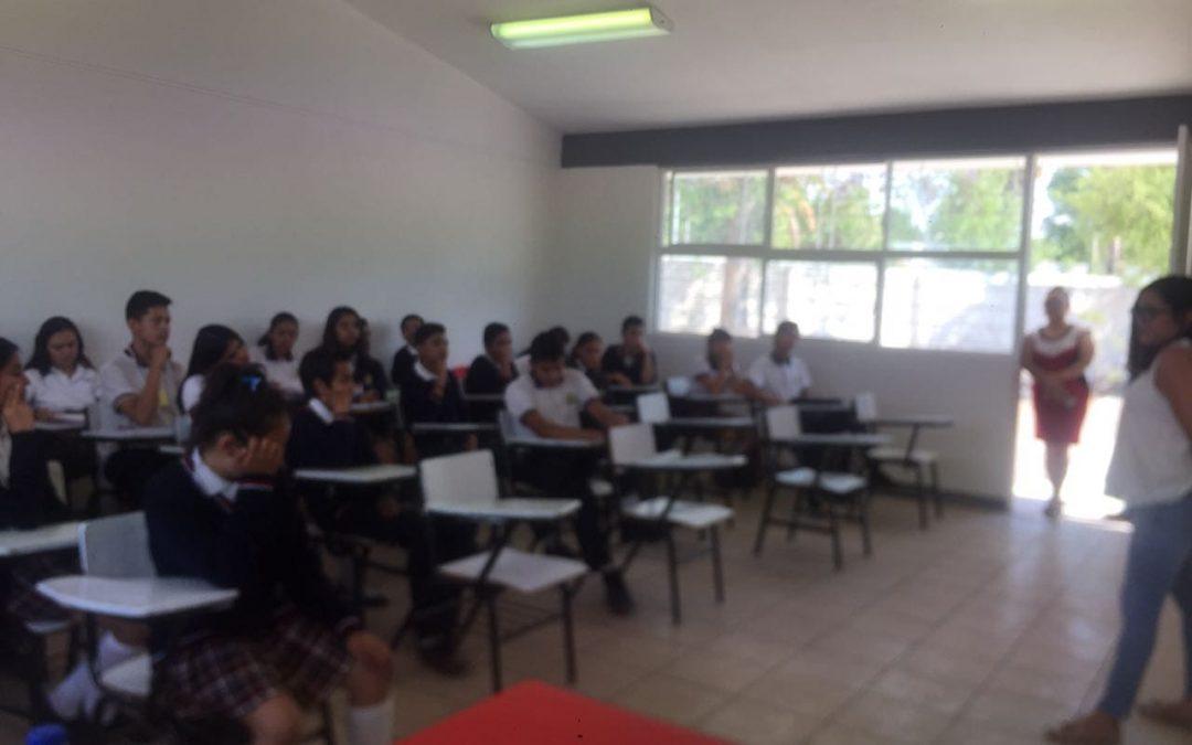 Formación sobre autolesión en escuelas por SIA – Durango, México