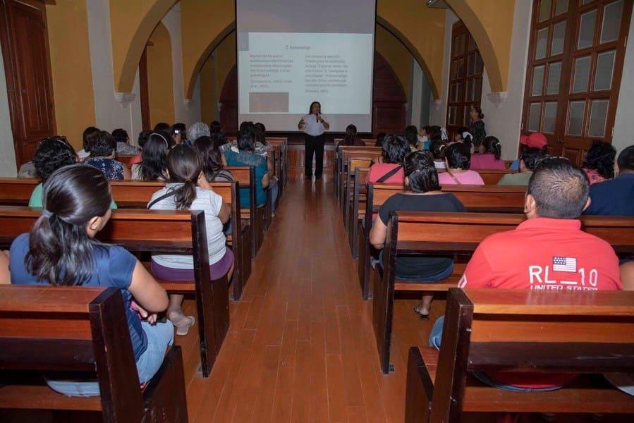 """DIF estatal imparte conferencia """"Cutting"""" – Mexico"""